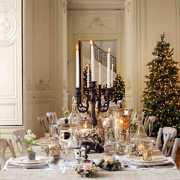 Breathtaking christmas tablescape ideas for Ideas to decorate dining room table for christmas