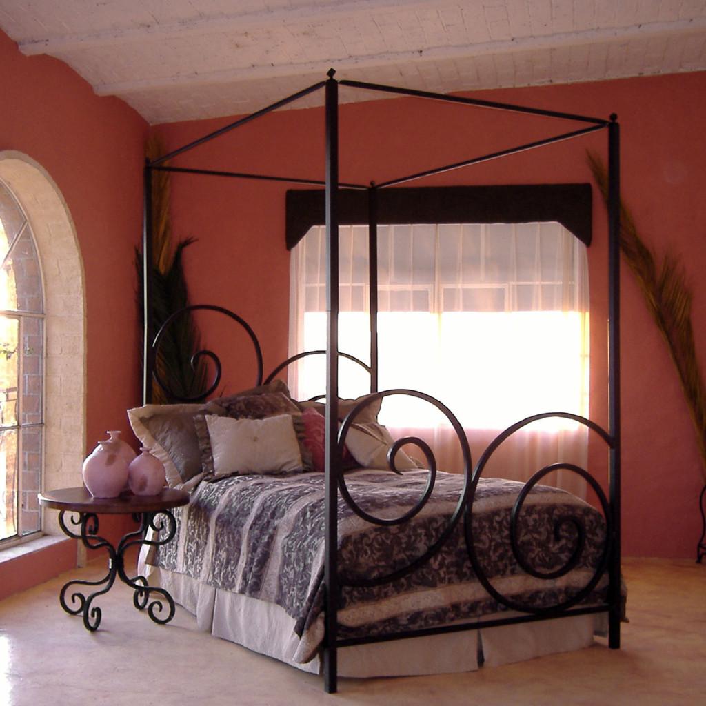 Decorative metal bed frame - Alexander