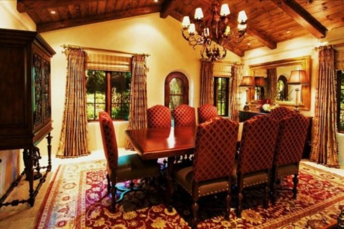 mediterranean dining room 1
