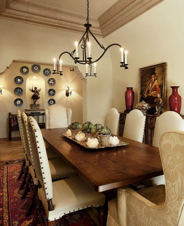 Decorating an old world style dining room for Interior decoration of dining room