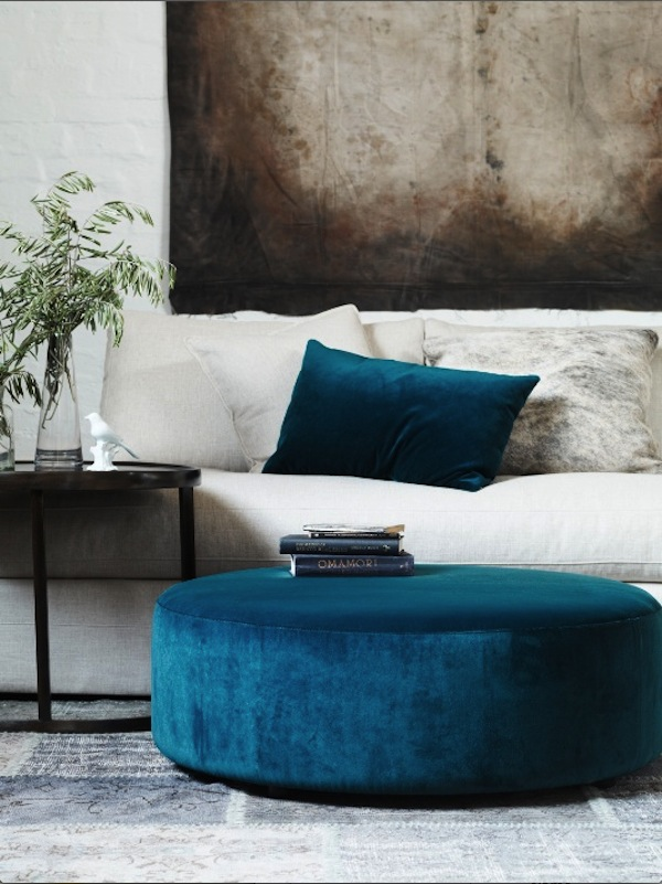 Delicieux A Large Fully Upholstered Ottoman Of Any Shape Can Be A Brilliant Design  Choice In Lieu Of Coffee Table. This Beautiful Round Ottoman Is Entirely  Covered In ...