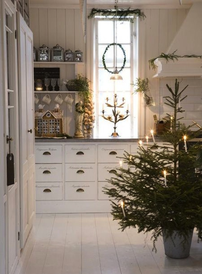 country christmas decorations - Farmhouse Christmas Decorating Ideas