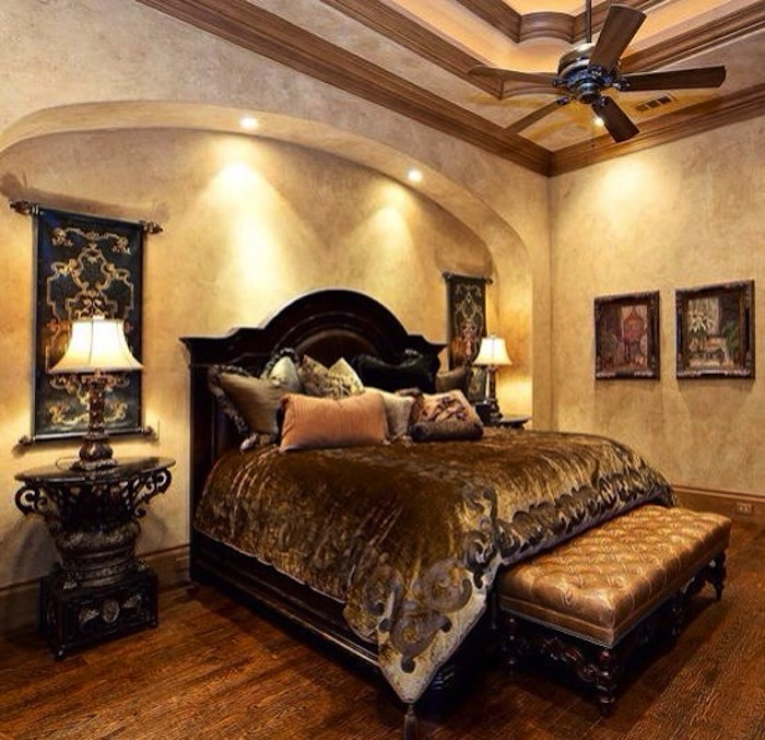 Inviting old world style bedrooms - Look contemporary luxury bedding ...