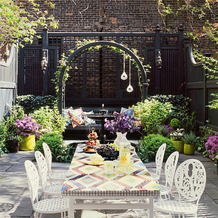 Enchanting Outdoor Dining Spaces