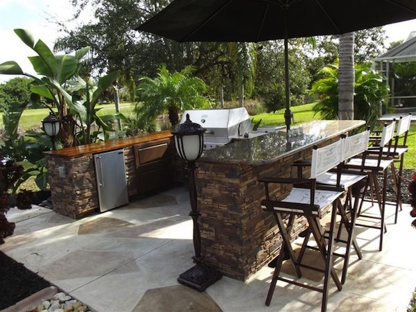 Large Amp Small Cool Outdoor Bars You Ll Love
